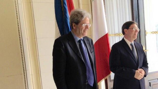 El canciller italiano, Paolo Gentiloni, en La Habana con su homólogo Bruno Rodríguez Parrilla. (Ministerio de Asuntos Exteriores de Italia)