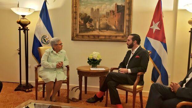 """Gladys Bejarano transmitió a Nayib Bukele """"los mejores deseos del Presidente de Cuba para los próximos años de Gobierno"""".(Twitter/ Nuevas Videos)"""