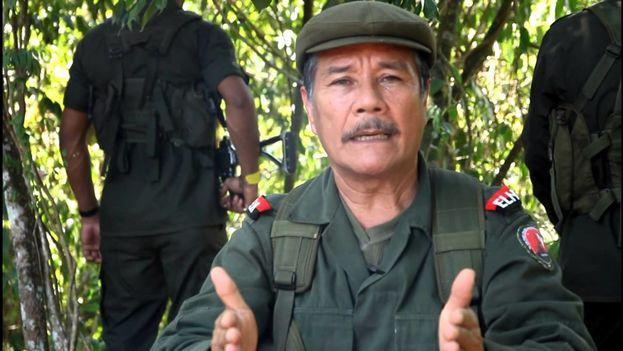 El Gobierno solicitó hacer efectiva la circular roja de la Interpol contra el máximo líder del ELN Nicolás Rodríguez Bautista, alias 'Gabino'. (Captura)