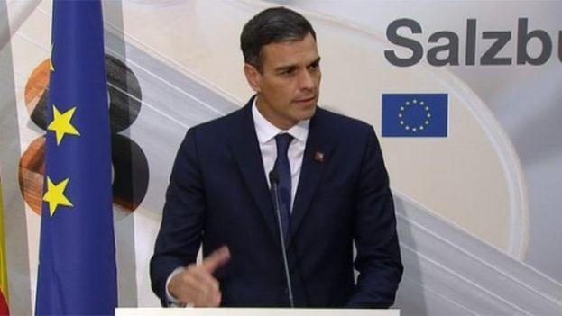 El presidente del Gobierno español, Pedro Sánchez, en la cumbre de la Unión Europea de Salzburgo este miércoles. (captura)