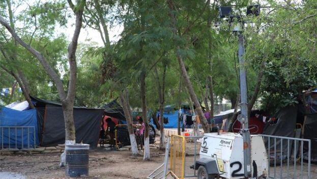La mayoría de los manifestantes se encuentra a la espera de asilo por parte del Gobierno de los Estados Unidos como parte del programa Protocolo de Protección a Migrantes. (EFE)