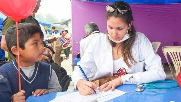 El Gobierno boliviano está auditando la misión médica cubana para conocer con más exactitud sus gastos y funcionamiento. (Minrex)