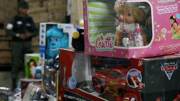 El Gobierno venezolano arremetió contra las empresas comercializadoras de juguetes y desde hace semanas ha confiscado gran cantidad de muñecos. (EFE)