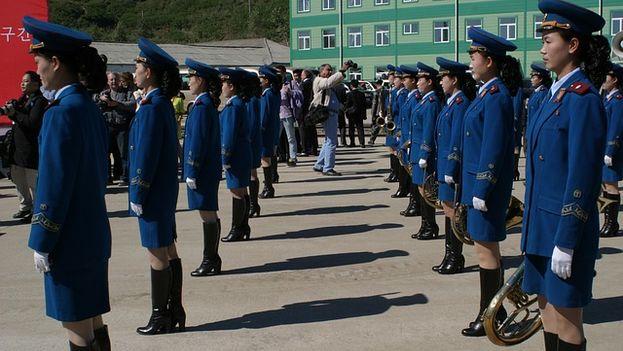 Grupo de las fuerzas armadas norcoreanas durante el desfile militar anual. (Pixabay)