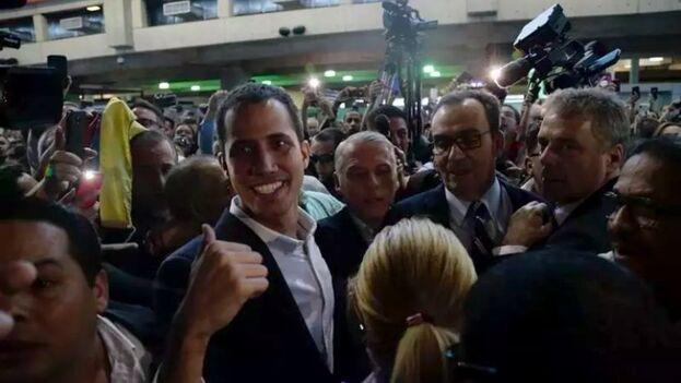 Juan Guaidó llegó al Aeropuerto de Maiquetía a las 12:20 pm de este lunes, 4 de marzo. (Efecto Cocuyo)