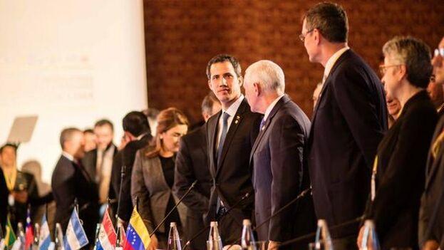 Guaidó, que estuvo este lunes en la reunión del Grupo de Lima, planea volver a Venezuela pese a los cargos a los que se enfrenta.