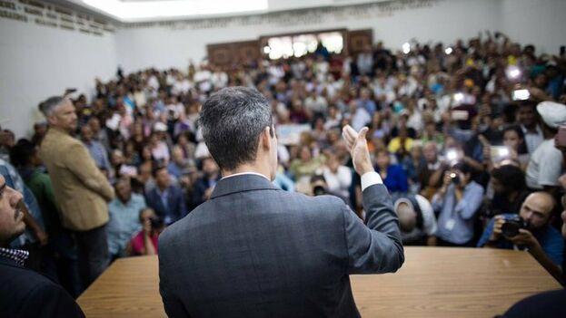 Guaidó se reunió con trabajadores del sector público y afirmó que van a la huelga. (jguaido)