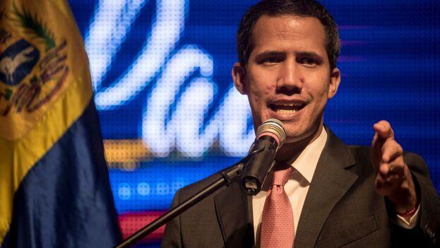 """Guaidó dijo que los venezolanos """"no quieren ver a líderes políticos peleándose, sino peleando por ellos"""" y por lograr la transición política. (EFE)"""