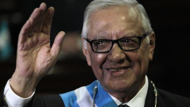 El abogado y vicepresidente de Guatemala, Alejandro Maldonado Aguirre, juró como nuevo presidente del país este jueves. (EFE/Esteban Biba)