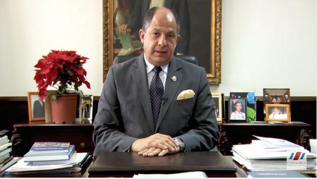 Luis Guillermo Solís, presidente de Costa Rica, en su mensaje de este miércoles. (Youtube/captura de pantalla)