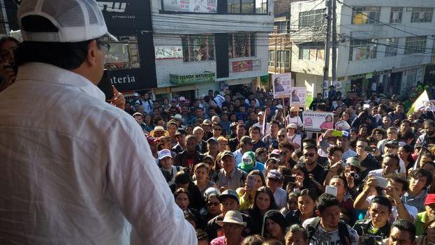Gustavo Petro, en un mitin de su partido Colombia Humana, es el primero según varias encuestas. (@petrogustavo)