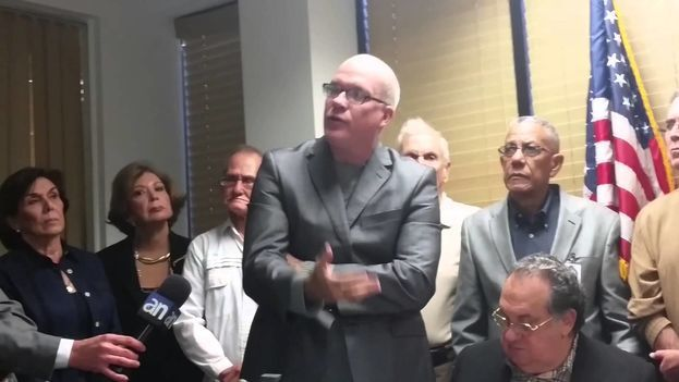 Orlando Gutiérrez, líder de la organización del exilio Directorio Democrático Cubano, ha impulsado la Comisión. (YouTube)