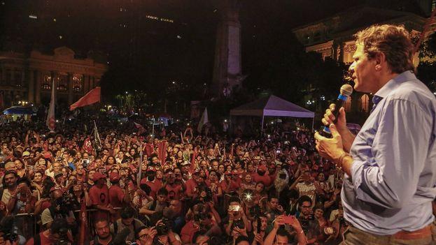 Haddad ha transitado desde el marxismo a la socialdemocracia y se distancia del populismo de Lula. (Fernando Haddad)