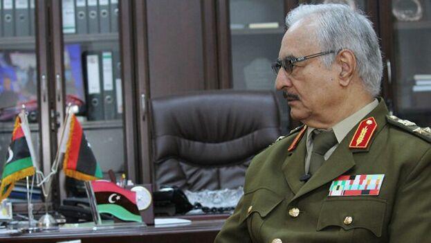 Hafter es líder del Ejecutivo no reconocido y del Parlamento electo en el este del Libia.