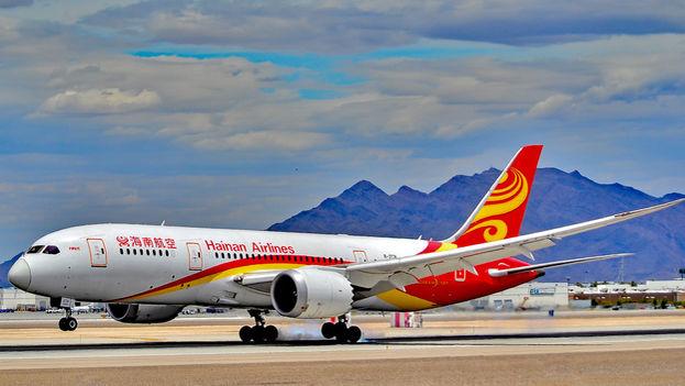 Hainan Airlines contará con tres vuelos de ida y vuelta a la semana operados por un Boeing 787 entre Pekín y México. (Flickr/CC)