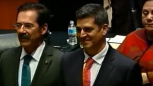 """El fiscal electoral, Héctor Díaz-Santana Castaños, destacó que la Fiscalía lleva el caso por la """"vinculación jurídica entre posibles delitos locales y federales"""". (Canal del Congreso)"""