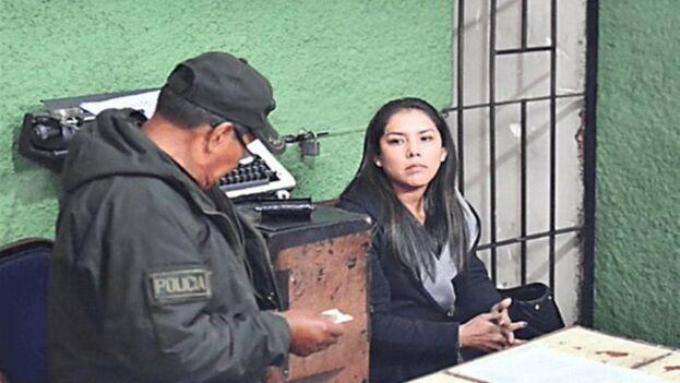 Hermosa está en prisión preventiva en la cárcel de mujeres de Obrajes en La Paz, explicó a los medios el fiscal Rudy Terrazas.