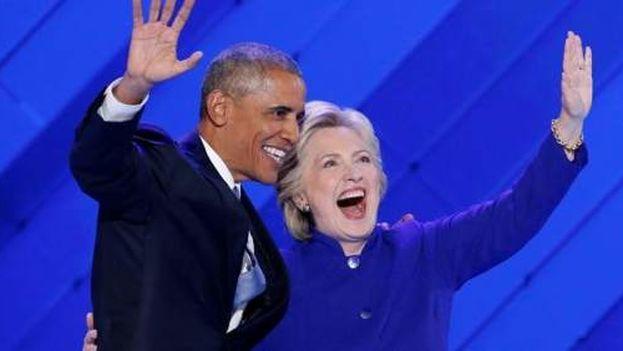 Barack Obama e Hillary Clinton durante la Convención Demócrata. (EFE)