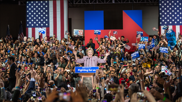 Hillary Clinton celebra su victoria en el estado de Nueva York este martes. (@HillaryClinton)