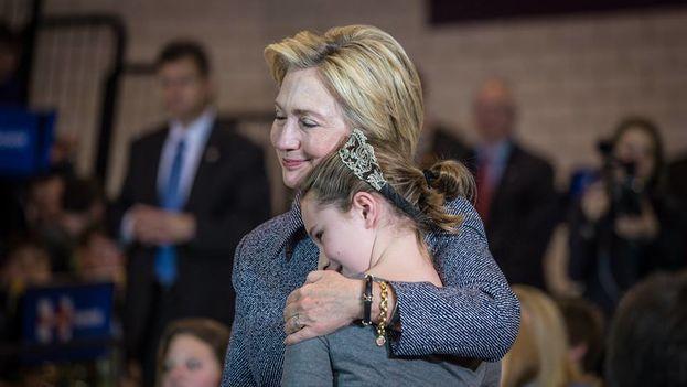 Hillary Clinton ha perdido la última de las batallas, a sus 69 años recién cumplidos parece casi imposible que pueda presentarse de nuevo a unos comicios presidenciales. (Facebook)