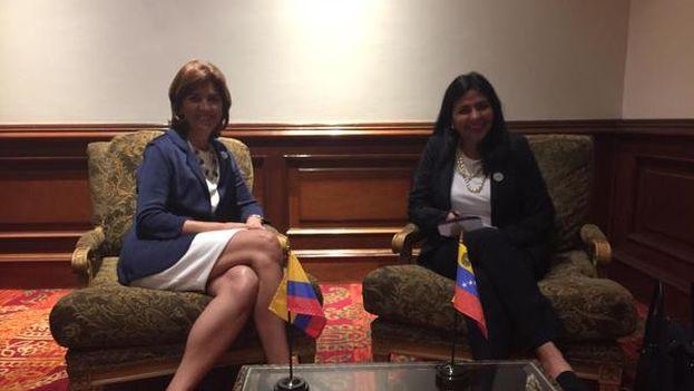 Holguín y Rodríguez durante el primer encuentro mantenido para hablar de la situación fronteriza el pasado día 22 de agosto. (@DrodriguezVen)