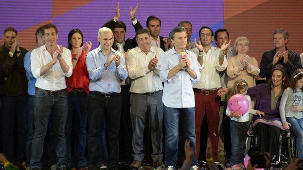 Horacio Rodríguez Larreta celebra con su equipo su victoria en las primarias de Buenos Aires. (@horaciolarreta)