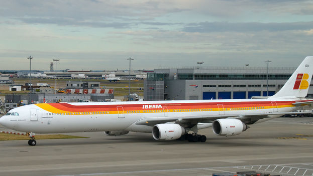 Iberia Airbus 340-600 como el que despega desde Madrid este 1 de junio para inaugurar la reapertura de la ruta Madrid-La Habana. (CC)