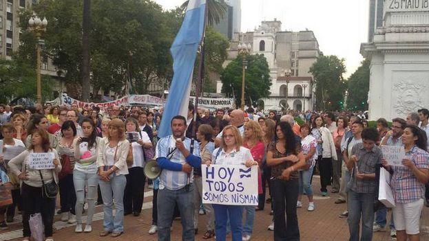 Imagen de una de las concentraciones por Alberto Nisman en Argentina. (CC)
