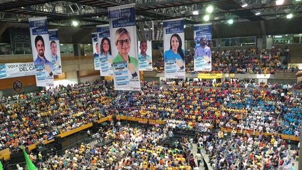 Imagen de la asamblea de este domingo en Miranda. (@adrianadelia)