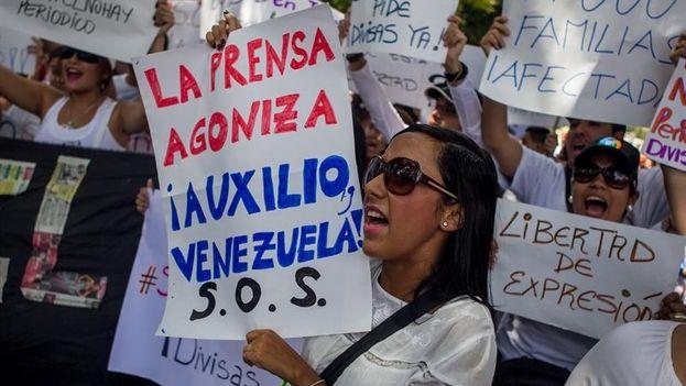 Imagen de archivo de una protesta de periodistas en Caracas. (EFE)