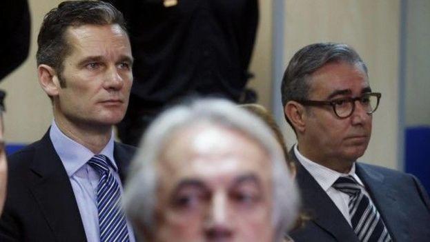 Iñaki Urdangarín y Diego Torres, principales condenados del caso Nóos, durante el juicio. (EFE)