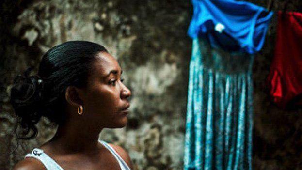 Independientemente de su procedencia social las mujeres afrontan la misma desigualdad en la Isla. (Luis Montemayor)