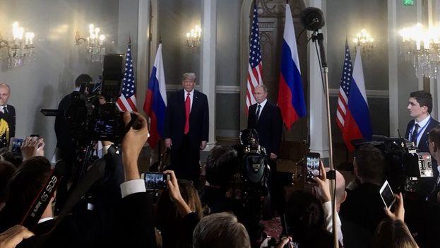 Instantes después de que Trump y Putin ofrecieran una rueda de prensa conjunta, el Departamento de Justicia anunció la detención e imputación de la presunta agente. (@Scavino45)