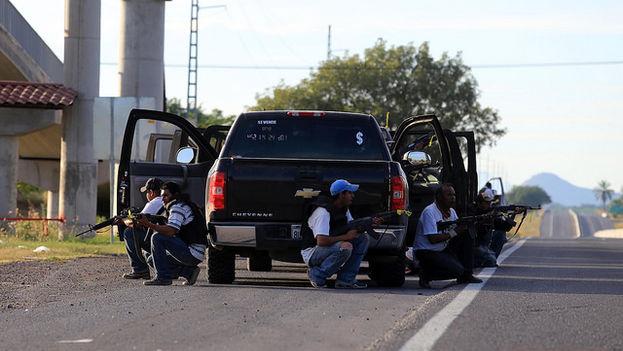 Integrantes de un gupo de autodefensas en Tierra Caliente (Michoacán). (Ignacio Juárez/Flickr)