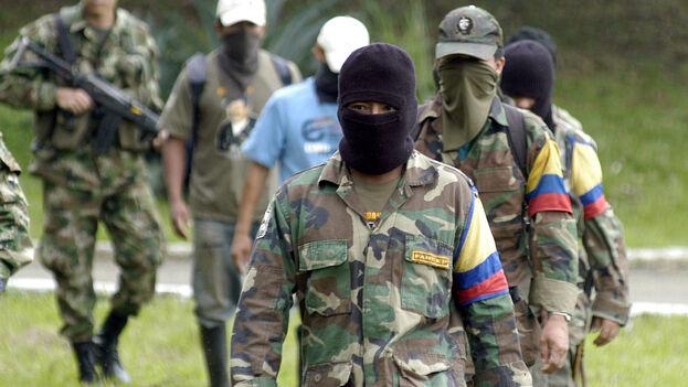 Integrantes del trigésimo frente de la guerrilla de las Fuerzas Armadas Revolucionarias de Colombia (FARC). (EFE/Carlos Ortega/Archivo)