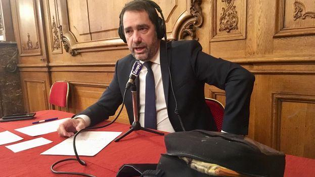 El ministro francés del Interior, Christophe Castaner, dio algunos detalles sobre la intervención policial que anoche acabó con la vida del terrorista. (Europe1)