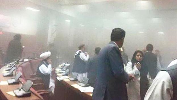 Interior del Parlamento de Afganistán tras el ataque