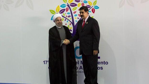 La alianza entre Irán y Venezuela para contrarrestar las sanciones de EE UU en lo que al petróleo respecta tiene su tercer vértice en Cuba. (EFE)