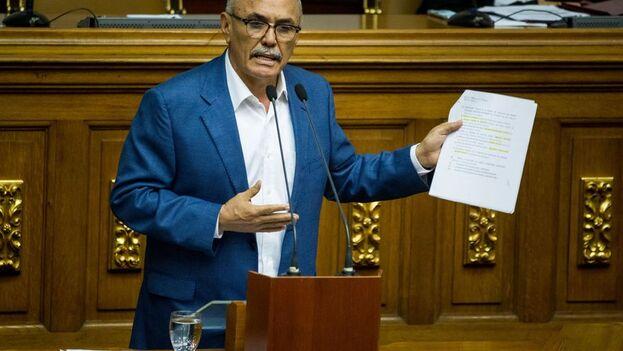El opositor venezolano Ismael García forma parte del grupo que promueve el diálogo con Maduro. (EFE/Miguel Gutiérrez/Archivo)