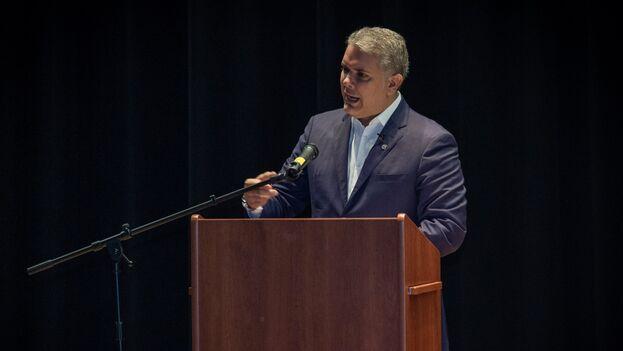 Iván Duque en Nueva Jersey durante un encuentro con la comunidad colombiana. (@IvanDuque)