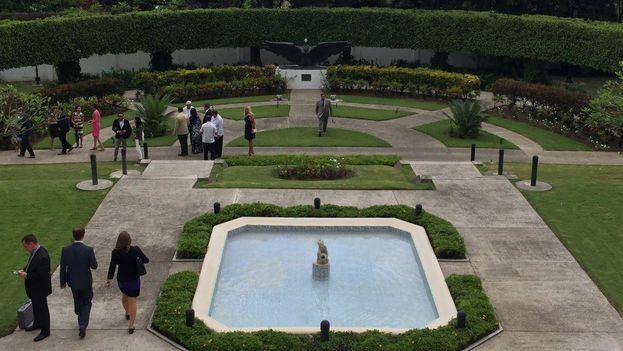 Jardín de la residencia del embajador de Estados Unidos en La Habana. (14ymedio)