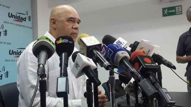 Jesus Chuo Torrealba, secretario ejecutivo de la Mesa de Unidad Democrática (Twitter)