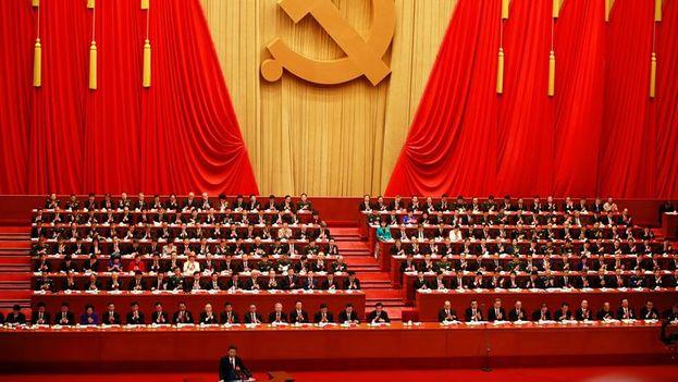 Xi Jinping abrió el XIX Congreso del Partido Comunista Chino con un discurso de más de tres horas. (EFE/How Hwee Young)