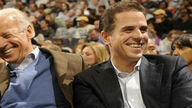 Joe Biden con su hijo Hunter, que trabajó en Burisma entre 2014 y 2015. (EFE)