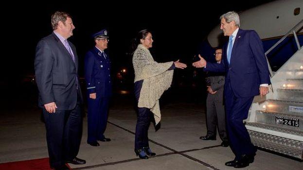 El secretario de Estado, John Kerry, a su llegada a Chile para asistir a la cumbre Nuestro Océano. (@JohnKerry)