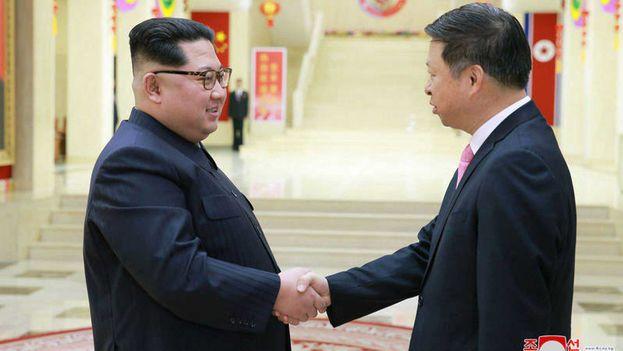 Kim Jong-un ha recibido al director de relaciones internacionales del Partido Comunista de China (PCCh), Song Tao. (Agencia estatal KCNA)