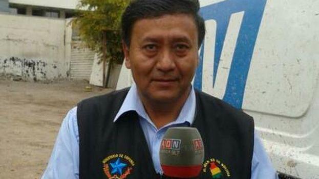 Jorge Ledezma con la chaqueta que ha provocado polémica con Chile
