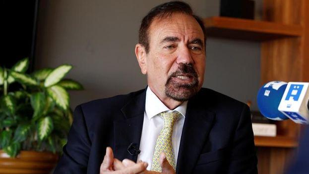 """Jorge Pérez no sólo tilda de """"estupidez"""" el muro que el presidente quiere construir en la frontera con México, sino que rechazó ser su secretario de Vivienda y cree que no durará en el cargo. (EFE)"""