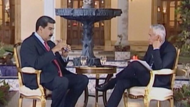 Jorge Ramos estuvo detenido y fue expulsado de Venezuela por esta entrevista. (Univisión)