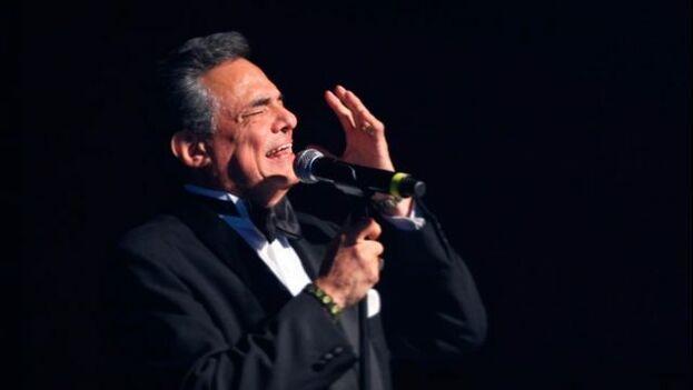 José José en uno de sus conciertos. (Facebook José José)